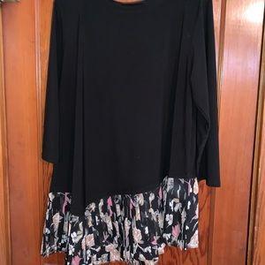 Black and floral slant hem tunic